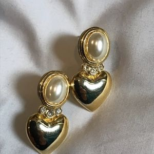 Jewelry - 3/$30!! Gold and pearl earrings